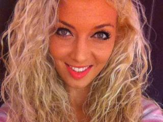 AbbyLuv69 webcam
